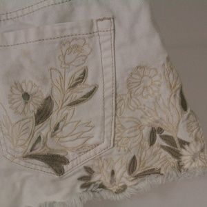 Cream Bullhead Shorts